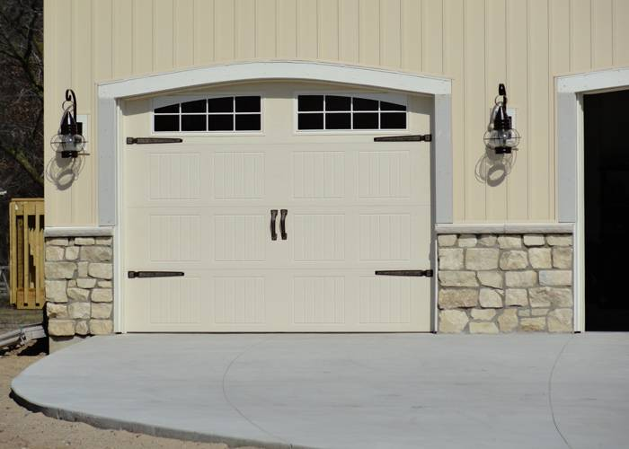 Wayne Dalton 9600 Sonoma panel style, custom decorative hardware, Arched Stockton